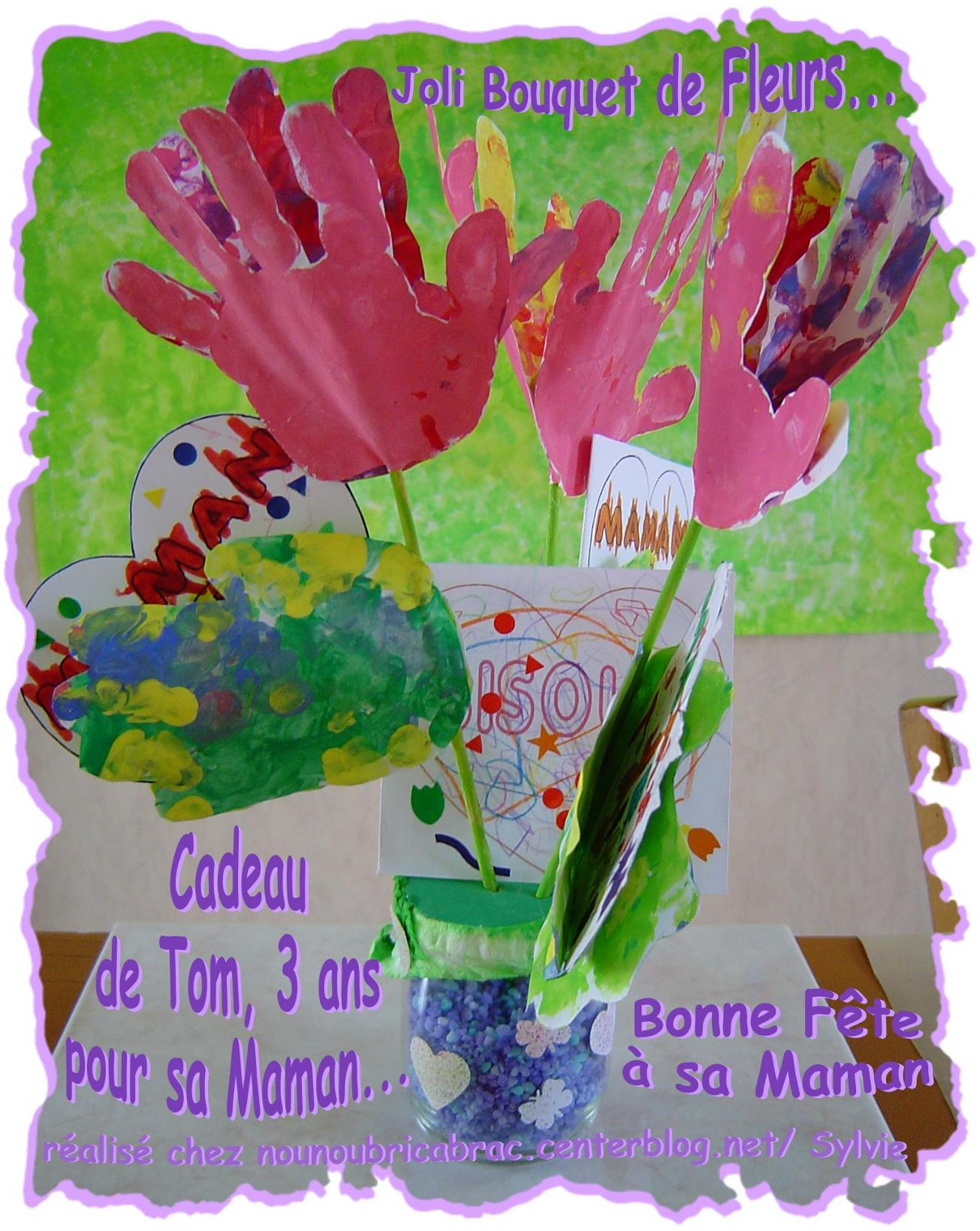 Joli bouquet de Fleurs-Mains de Tom... pour sa Maman