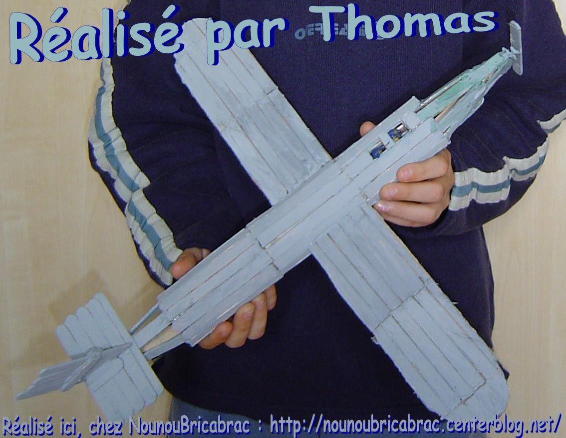 Avion avec bâtonnets de glace