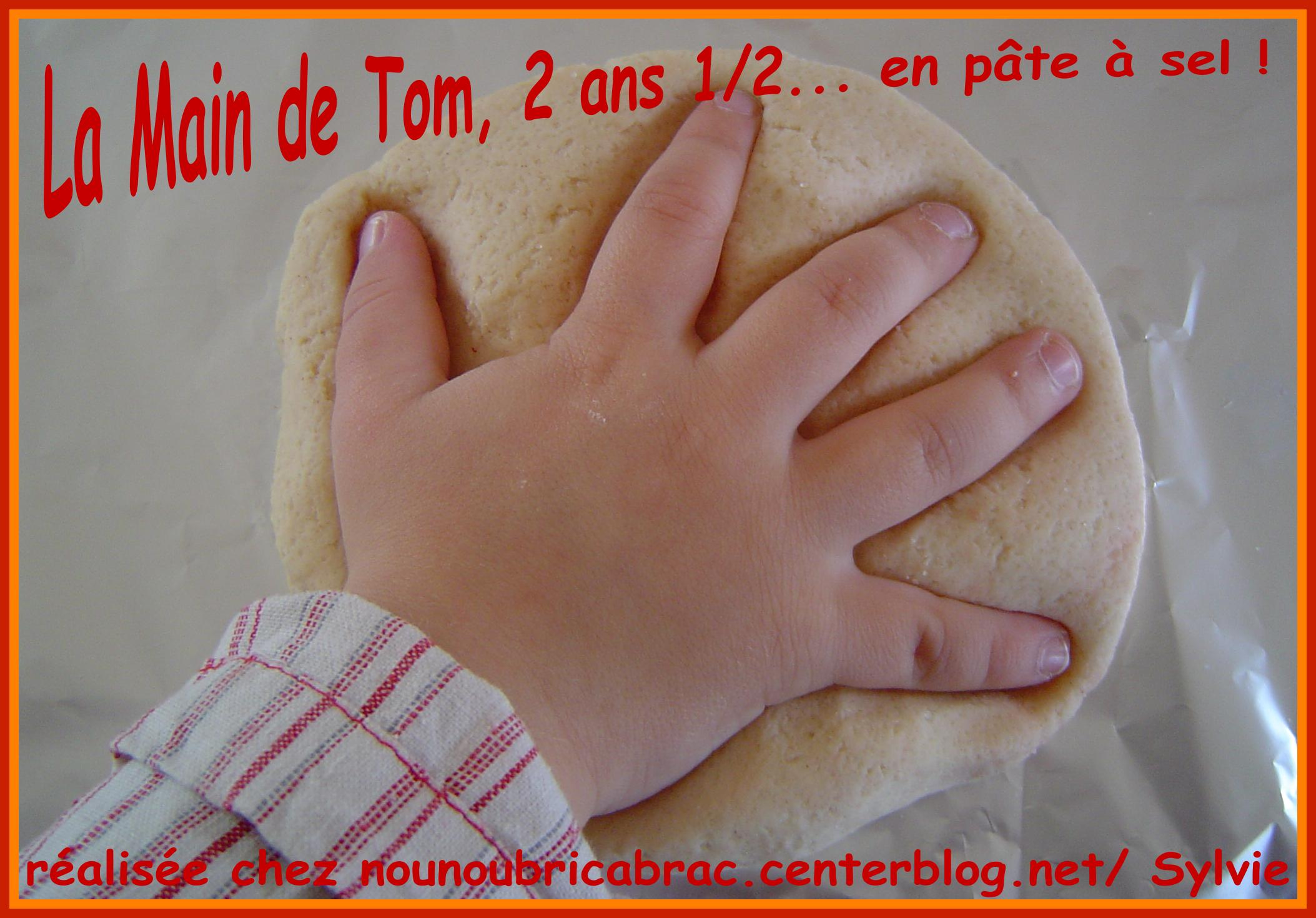 Main de Tom, 2 ans 1/2
